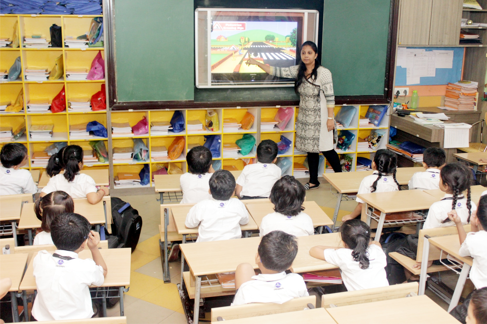 Modern Classroom Facilities ~ Icse board school with best technology infrastructure in